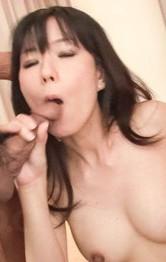 Manami Komukai Asian busty screams as the frigging increases